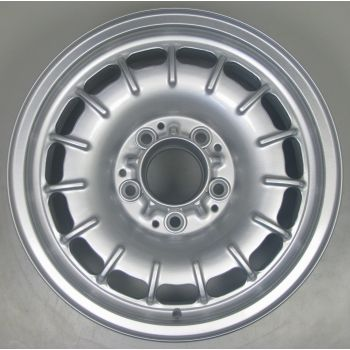 Mercedes Bundt Wheel