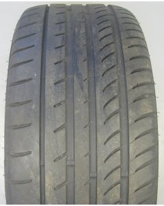 245 40 17 GT Radial Champiro UHP1 Tyre Z9796A